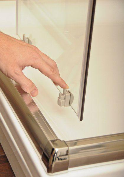 RAVAK Blix zuhanyajtó BLDP2-120 kétrészes, toló rendszerű, fehér kerettel / GRAPE edzett biztonsági üveggel, 120 cm / 0PVG0100ZG