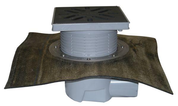HL615H Perfekt lefolyó DN110 vízszintes kimenettel, gyárilag felhegesztett bitumengallérral, 244x244mm műanyag kerettel, 226x226mm öntöttvas ráccsal, mechanikus bűzzárral, szemétfogó kosárral.