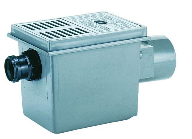 HL77.1 Pincei lefolyó DN110 vízszintes kimenettel, DN50 oldalsó beömlővel, 3 részes Visszatorlás gátló szeleppel 125x180mm műanyag ráccsal és szemétfogó kosárral