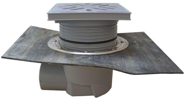HL615HS Perfekt lefolyó DN110 vízszintes kimenettel, gyárilag felhegesztett bitumengallérral, 244x244mm műanyag kerettel, 226x226mm nemesacél ráccsal, mechanikus bűzzárral, szemétfogó kosárral.